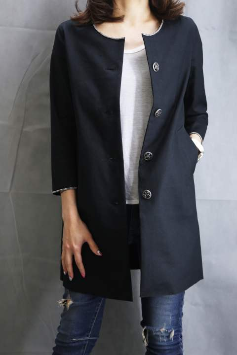 "BASIC ""CHAIN"" EMBROIDERY COLLARLESS COAT BLACK"