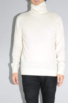 TURTLE NECK KNIT White
